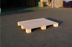 合板の簡易パレット(工場内搬送用)